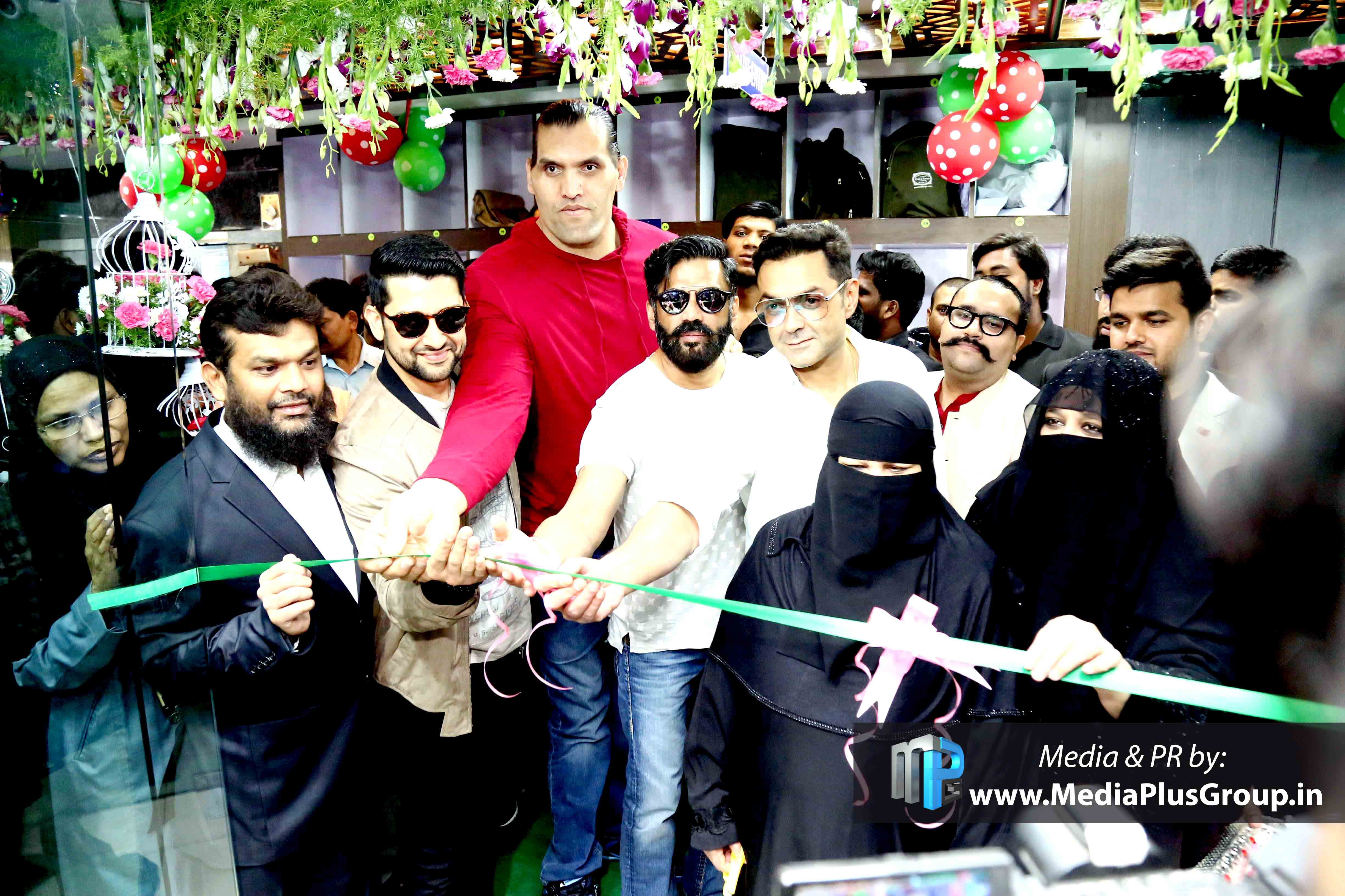 PR-Campaign-by-Media-Plus-for-Heera-Group-with-Bollywood-Stars-Hyderabad